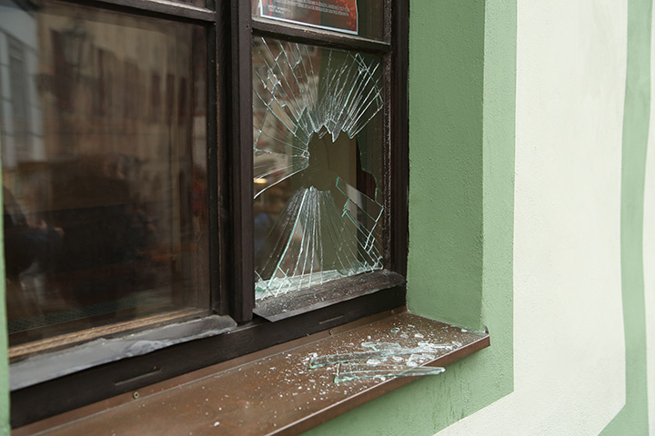 A2B Glass are able to board up broken windows while they are being repaired in New Eltham.